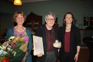 Peer Busink met rechts Femke Dingemans en links Corine. Foto Kees van Kemenade