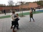 Het plein van BS De Vlinderakker in Biest-Houtakker